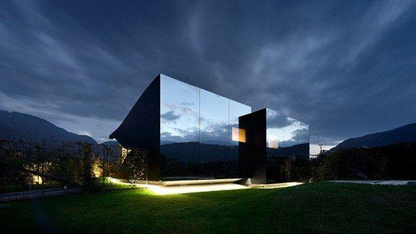 Nhà Gương (Mirror House) ở ngoại ô Bolzano - Italia