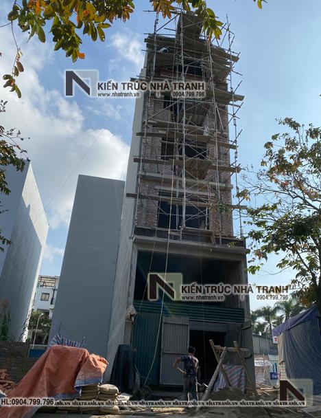 Ảnh: Hình ảnh thi công thực tế 01 mẫu thiết kế nhà lô mặt tiền 5m 6 tầng 1 lửng có thang máy để ở kết hợp kinh doanh kiến trúc tân cổ điển NT - L3685